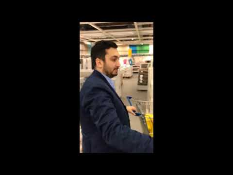 IKEA'da Başka Bir Arkadaşını Daha Trolleyen Adam