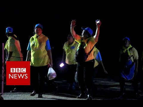 Thailand Cave rescue: Waiting for four rescue divers to emerge - BBC News