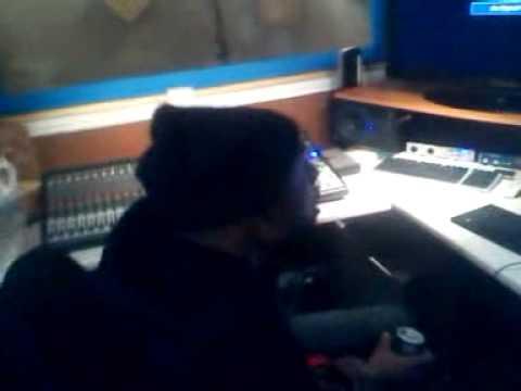 slv freestyling @mobeatz5 studio on @olababs beat