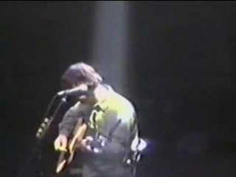 Noel Gallagher - Slide Away acoustic Chicago '98