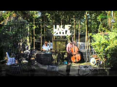 "BALI JAZZ ETHNIC Gustu Brahmanta Trio ""Putri Cening Ayu"" Ubud Village Jazz Festival 2014"