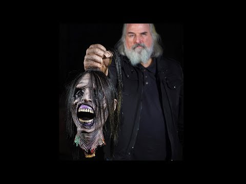 """Corpse Beheaded"" Zombie Cut Off Head Halloween Props"