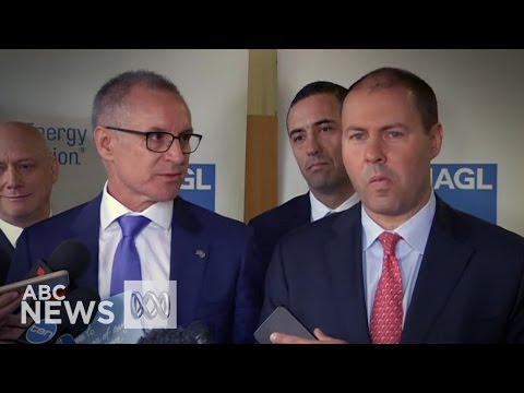 Watch SA Premier Jay Weatherill shirtfront Josh Frydenberg over energy policy