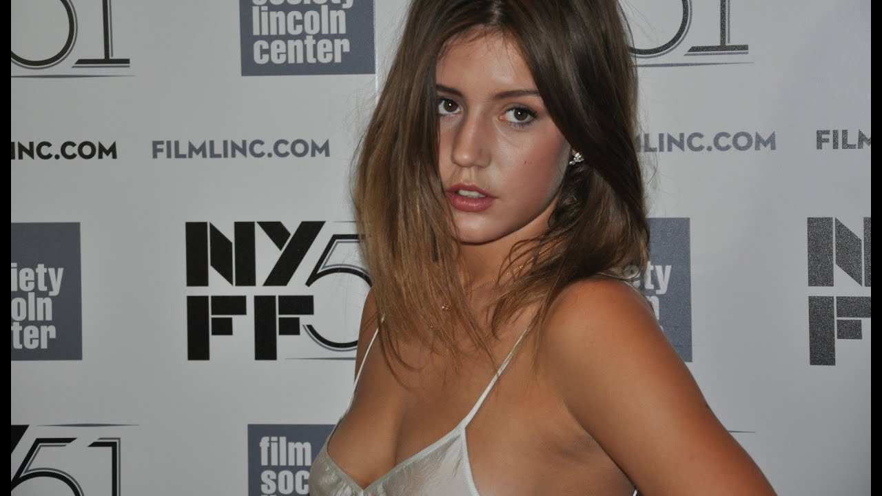 "NYFF51: Adèle Exarchopoulos | ""Blue is the Warmest Color"" Red Carpet"