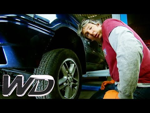 Edd Shows Us How To Fix This Range Rover's Dodgy Suspension | Wheeler Dealers