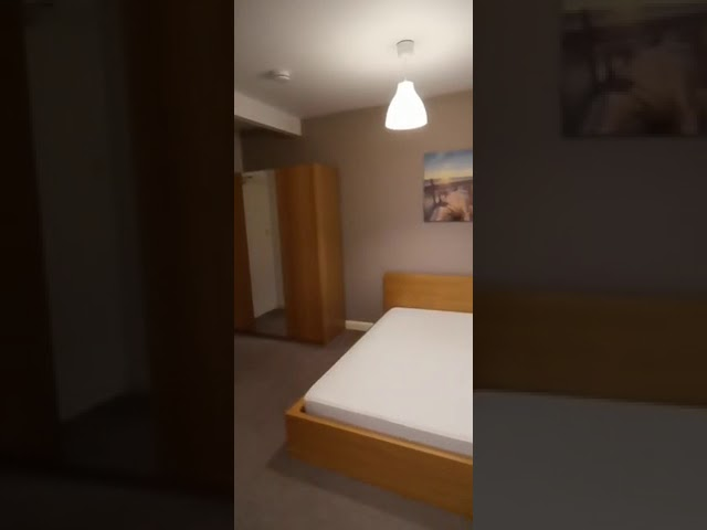 Award Winning Town Centre Rooms - off St Parking Main Photo