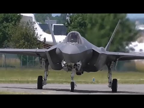 F-35  demonstration at  Paris Air Show 2017 (impressive)