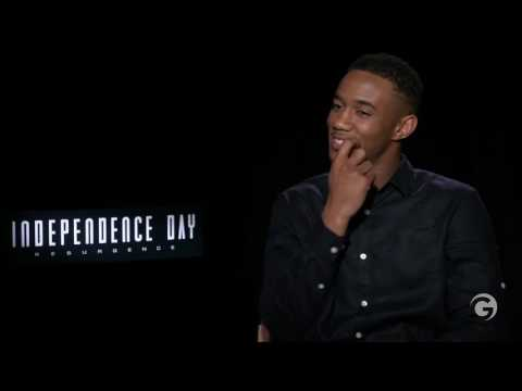 Jessie Usher Blushes While Talking About Vivica A Fox