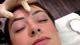 Templating Hairstroke Eyebrows One Point Liner