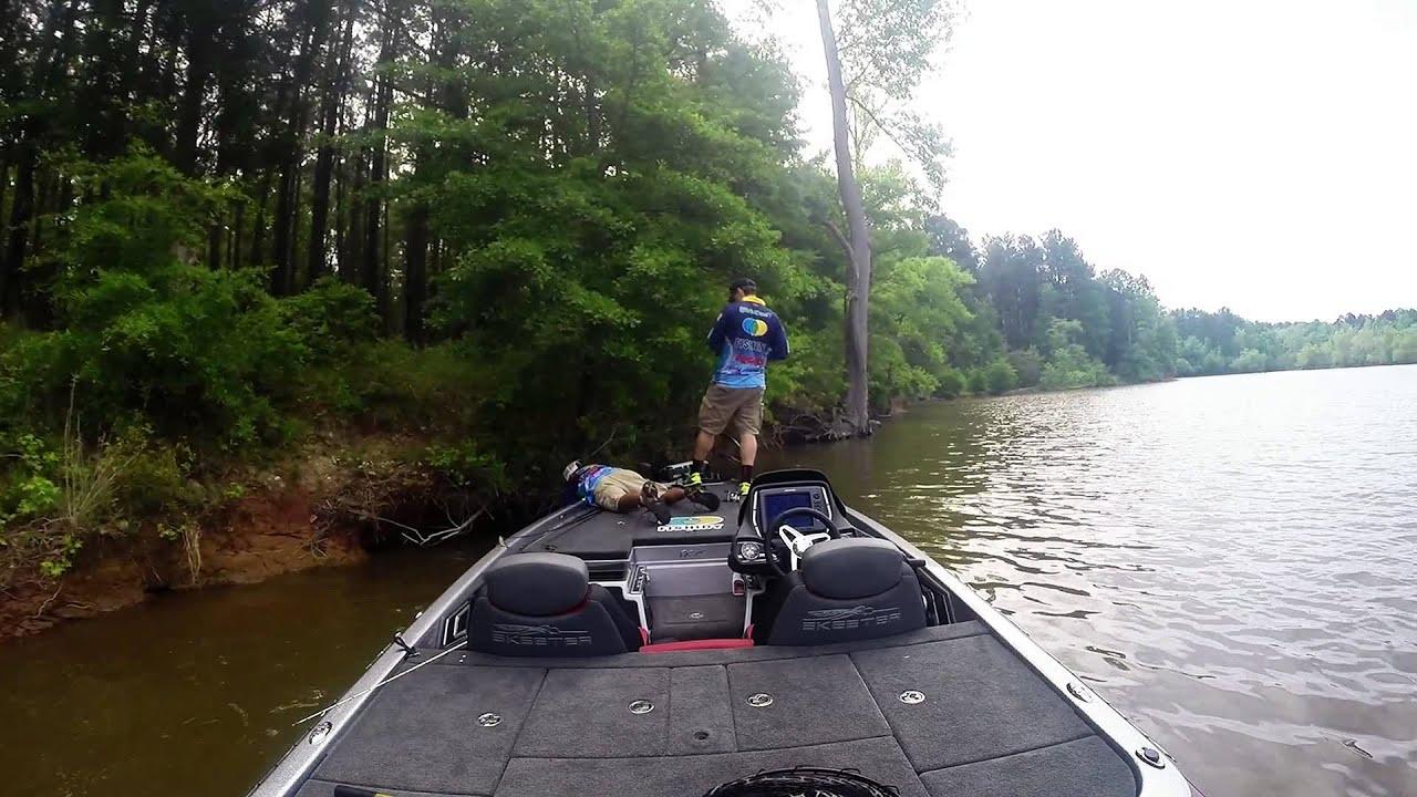 Falls lake nc springtime bass dreamin youtube for Falls lake fishing report