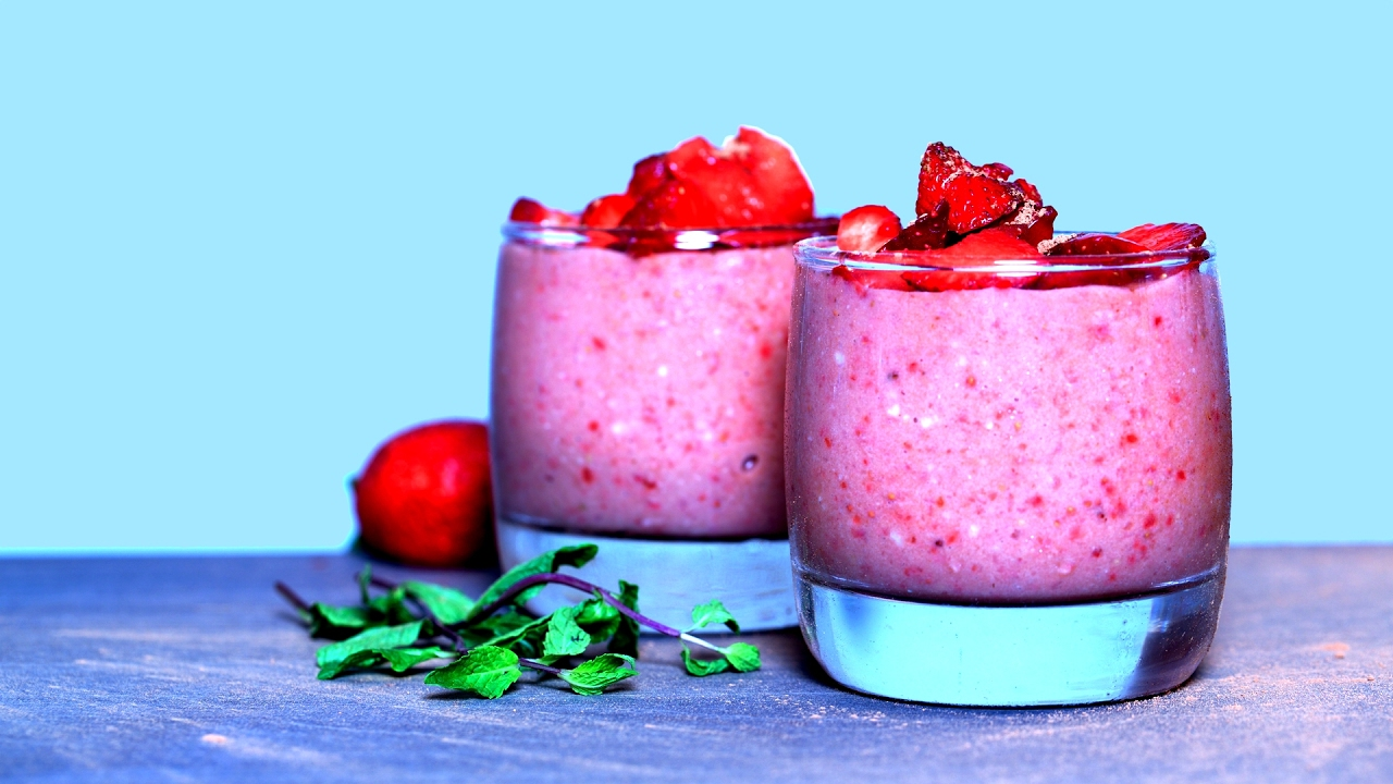 How to make a no-bake strawberry chocolate mousse recipe (VIDEO
