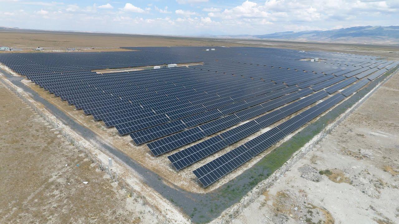 Karapınar, Türkiye'nin güneş enerjisi üretim üssü oluyor - YouTube