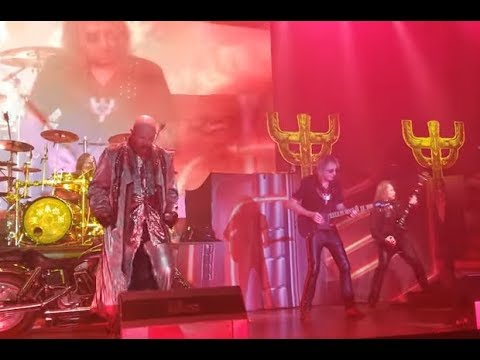 Glenn Tipton rejoins JUDAS PRIEST on April 28 at The Bomb Factory in Dallas, Texas for 3 songs!