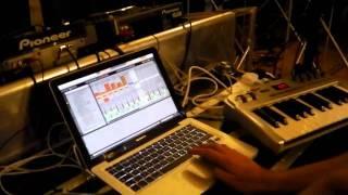 Danny J Lewis & DJ SOS Mash it up with DnB