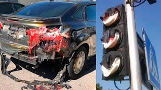 Расплавленные на солнце автомобили и светофоры. Жара не щадит Кувейт