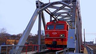 Railway. Electric Locomotive EP1 with Passenger Train / Электровоз ЭП1 с пассажирским поездом