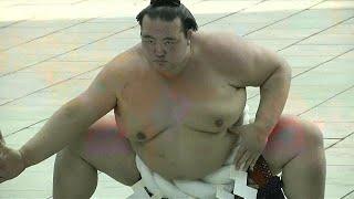 Sumo scandal threatens new season in Japan