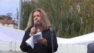 17.listopad 2016 - Klárov - 01 - Lenka Procházková