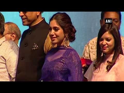 Arvind Kejriwal attends Dussehra function in Delhi