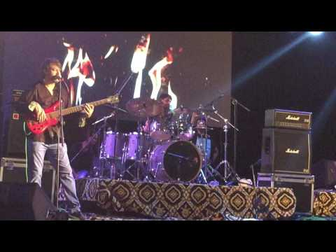 Ye Jism Hai to Kiya / Ali Azmat / Live