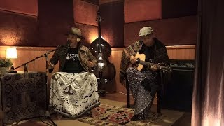 Video Sugih Tanpo Bondo - Sujiwo Tejo feat Lian Panggabean (Official Music Video) download MP3, 3GP, MP4, WEBM, AVI, FLV Juli 2018