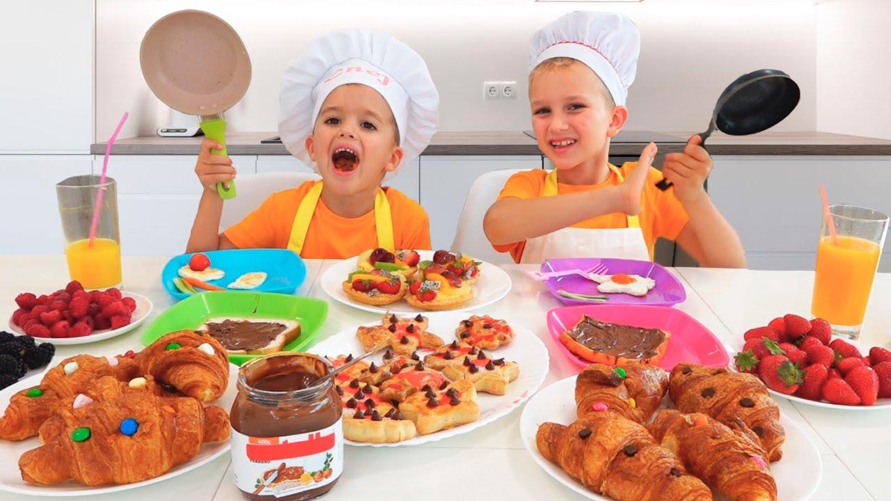 Download Vlad and Niki make breakfast for mom