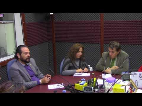 Salma Hayek arrasa en la alfombra roja de los Globos de Oro - Martínez Serrano