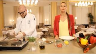 Завтрак на 7 с «KADORR Restaurant». Салат с хамоном и сицилийскими оливками