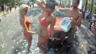 Repeat youtube video Lada Sexy Bikini Car Wash - LCH