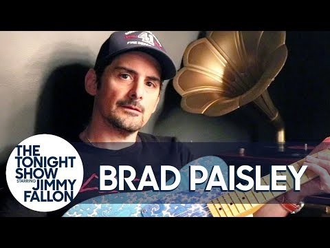 Ridder, Scott and Shannen - Brad Paisley Recalls Falling on Stage