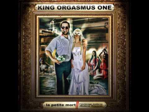 King Orgasmus One -- Schneid dein Kopf ab (feat. Vero & Bass Sultan Hengzt)