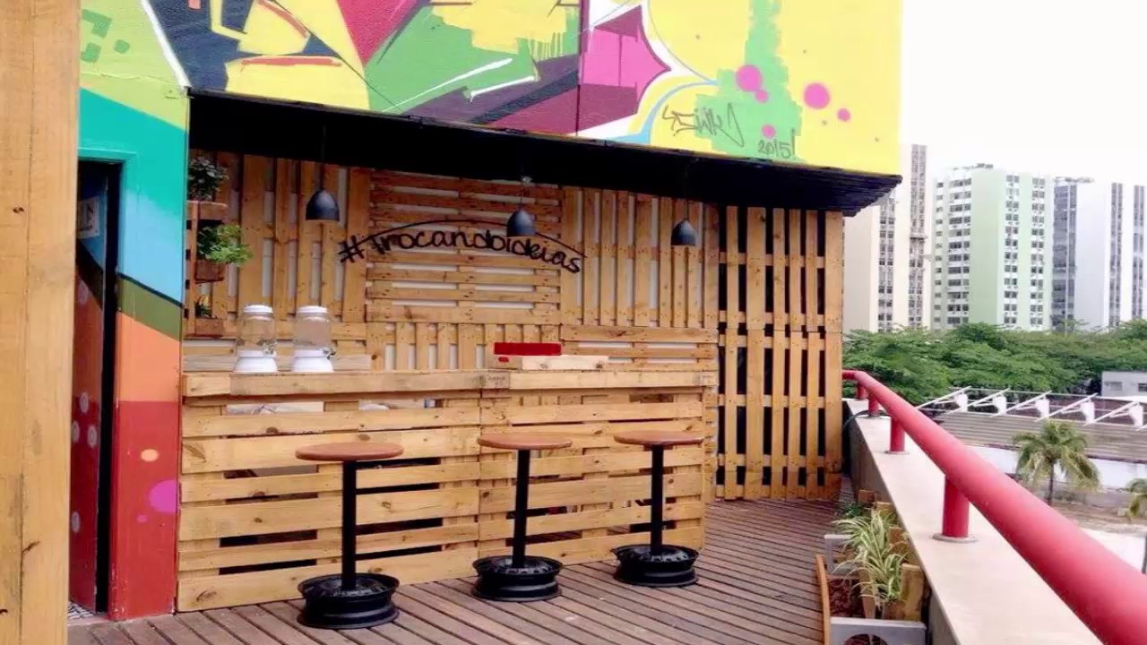 Bar Made Out Of Pallets Diy Youtube