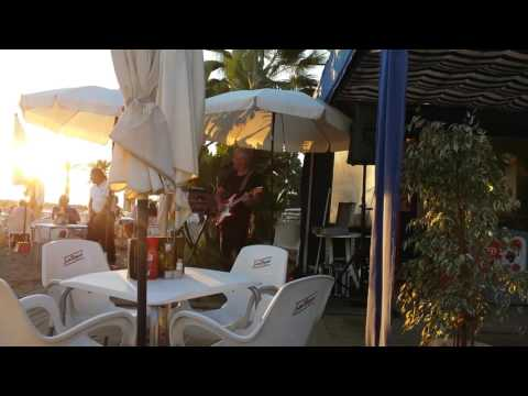 Steve Nelson being great at Andy's Beach Bar, Cabopino