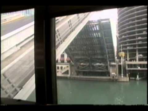 Raising the bridges over the Chicago River