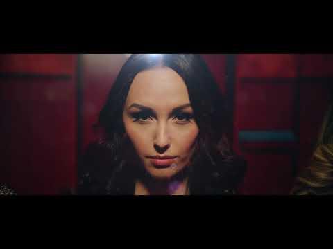 Helemaal Hollands- Dans Op De Tafel (Officiële videoclip)