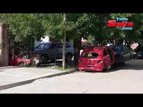 #ahora  #URGENTE  Vecinos de Barrio Autodromo denuncian el cementerio de auto