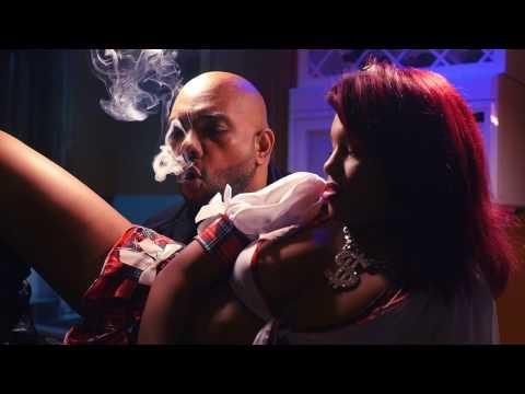 Heavy H (2H)   STRIP Oficial Video