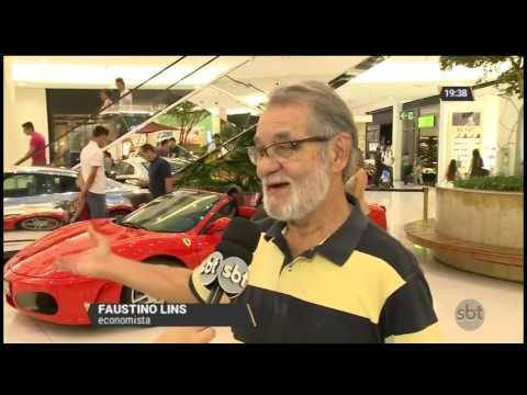 Exposição reúne carros esportivos de luxo