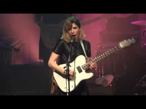 Sleater Kinney - Bury Our Friends - Paris 2015