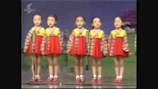 niñas talentosas en el canto coral