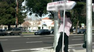 awesome single handed sign spinner