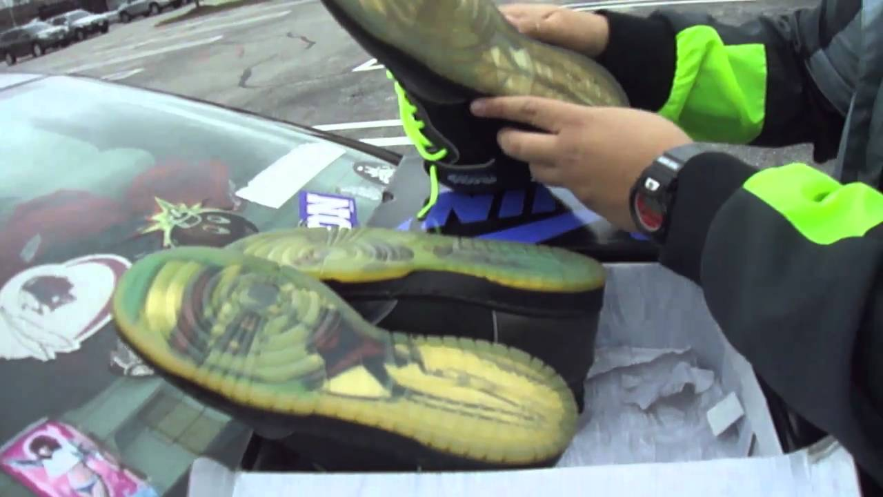 3463952d8cf How To Spot Fake Nike Dunk Sb Dooms Part 1-housakicks.com