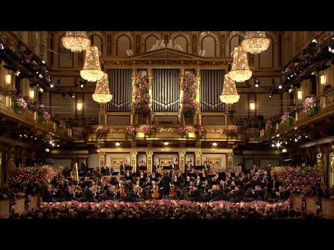 Johann Strauss II - The Blue Danube Waltz | New Year's Concert 2017, Gustavo Dudamel