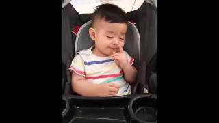 Baby tries to Fight Sleep with Hunger