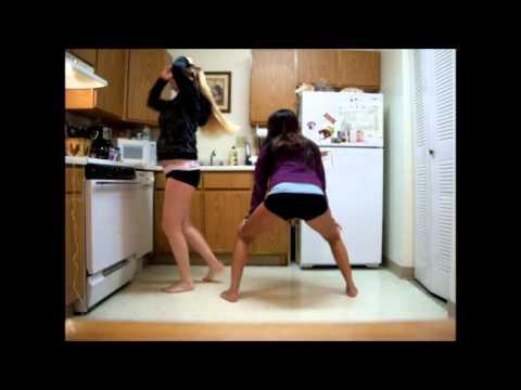 Volleyball girls twerk it : Vidbb.com - music search engine