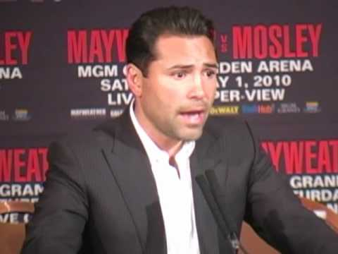 Oscar De La Hoya: Floyd Mayweather would capitalize on Manny Pacquiao's mistakes