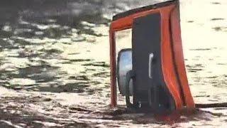 Авария на МКАД столкнулись 20 машин.Массовое ДТП Мусоровоз упал в реку.