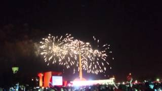 Салют на день победы 9 мая 2016 года в Москве - Парке Победы (Поклонная гора)