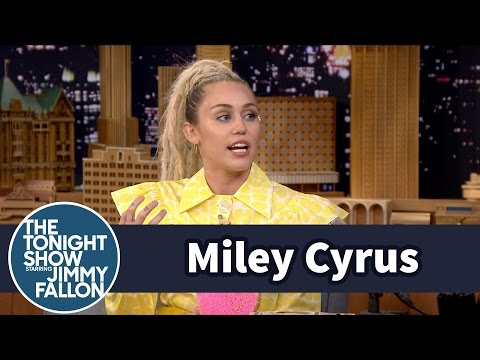 Miley Cyrus Turned Vegan for Her Intelligent Blowfish and Pig