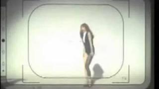 蔡依林裙子在跳勁舞時...掉了